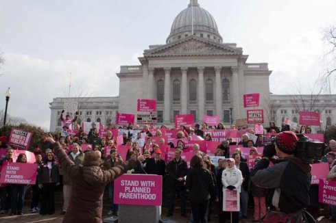 Rally supporting Planned Parenthood